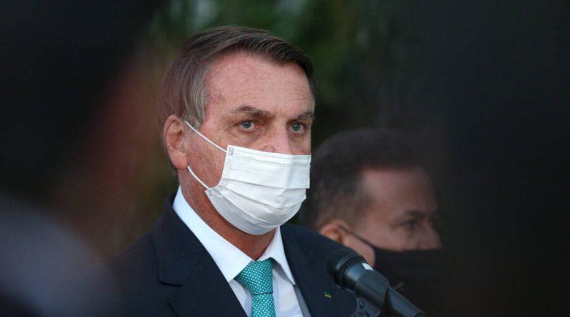 TSE pede ao STF que Bolsonaro seja investigado por disseminação de fake news contra urnas