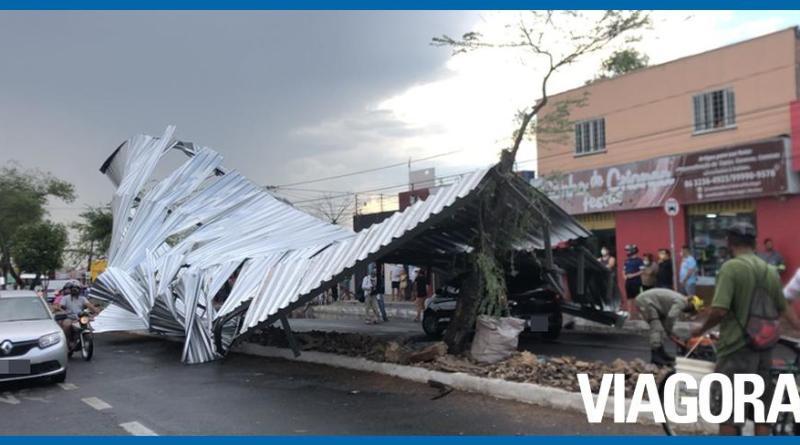 Chuva forte causa vários estragos na cidade de Teresina