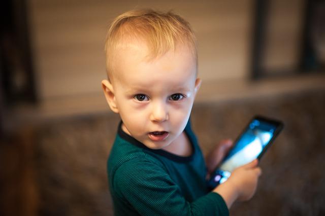 Além das telas: 8 dicas para seu filho 'desmamar' do digital   ViDA & Ação
