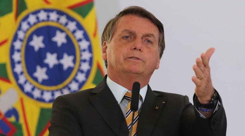 Bolsonaro perde metade de sua base eleitoral, mostra pesquisa