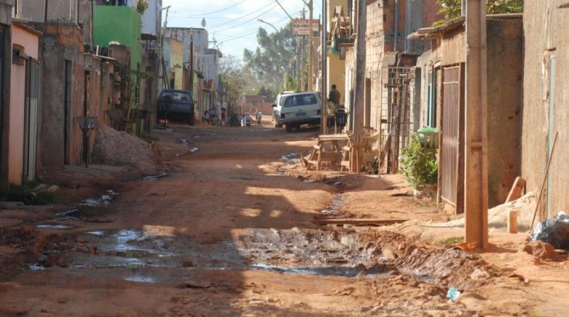 Total de favelas dobra no Brasil em dez anos e 20 milhões estão passando fome