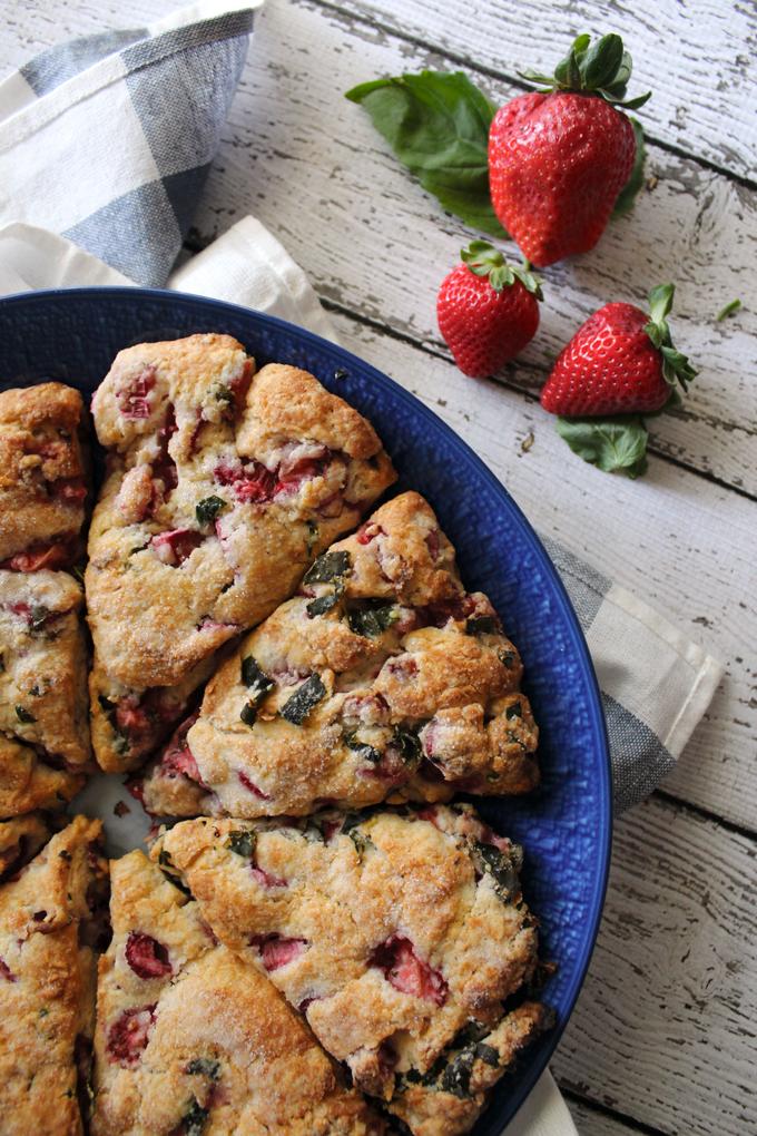 StrawberryRhubarbScones2