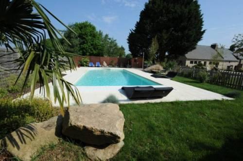 Nostang (56) : chambres au coeur des légendes bretonnes, piscine au calme