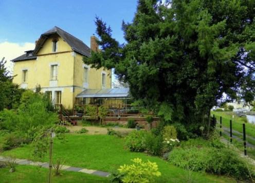 Redon (35) : la maison jaune