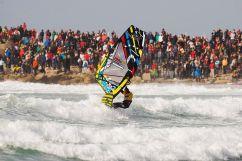 C'est la foule à la coupe du monde de windsurf en 2014