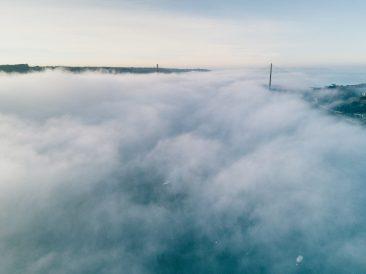 Pont de l'Iroise dans les nuages