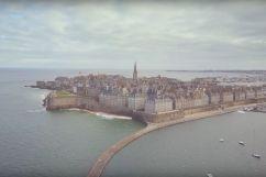 La cité corsaire de Saint-Malo, véritable trésor à découvrir dans cette vidéo
