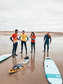 Cours de surf à La Torche avec l'ESB Bretagne