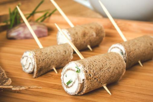 Les roulés de crêpe de sarrasin à la crème, un plaisir à l'heure des tapas bretonnes !