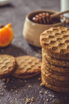 Il est maintenant l'heure de déguster les biscuits ! Bon appétit !