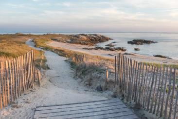 Sentier de randonnée qui longe la côte