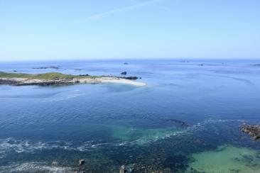 Une île perdu dans des eaux turquoises