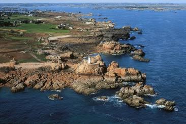 Vue aérienne du phare du Paon