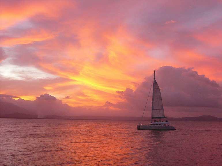 Aquarius Sunset Sailing  Meridian Port Douglas