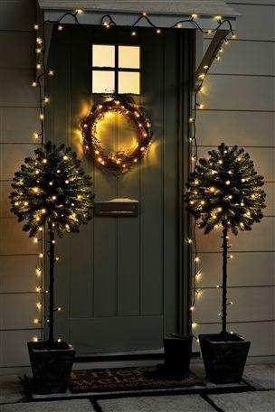 decorazioni natalizie per porta o parete. 7 Idee Per Decorare Le Porte Per Natale Finmaster