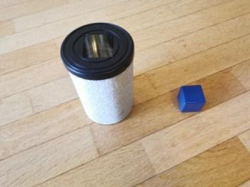 Recycler des objets pour faire des boites à forme.