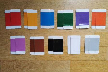 Je vous présente la deuxième boite de couleurs Montessori.