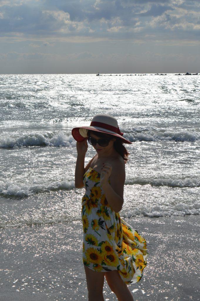 O rochie cu imprimeu floral și o zi la mare - OOTD