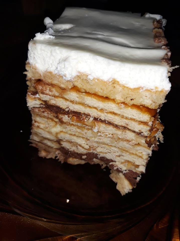 Rețetă tort de biscuiți