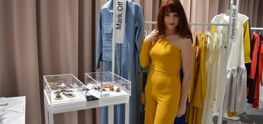 salopetă galbenă Femme Luxe - Confident