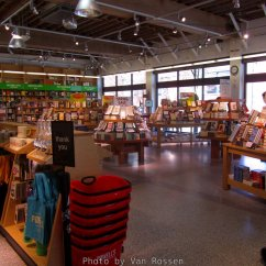 Powellsbooks_IMG_3965