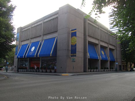 The museum, part of the Oregon Historical Society,occupies a half of a city block on 4 levels in downtown Portland.