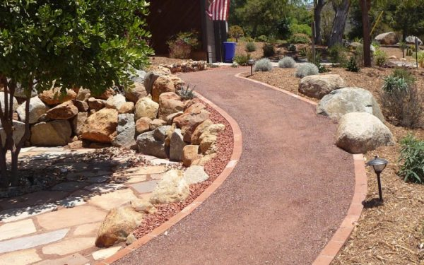 landscaping with decomposed granite