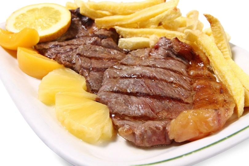 Posta a Mirandesa - Piece de viande de boeuf epaisse - Plat traditionnel nord du Portugal - Porto