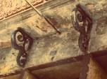Detalhe de sustentação da sacada (Foto: Chico Cougo)
