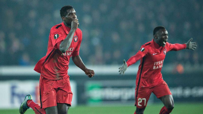 Paul Onuachu, o gigante com mais de dois metros que está na mira do FC Porto