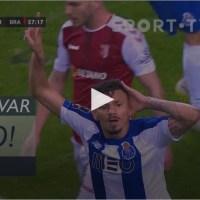 Tiquinho Soares faz o empate no Dragão