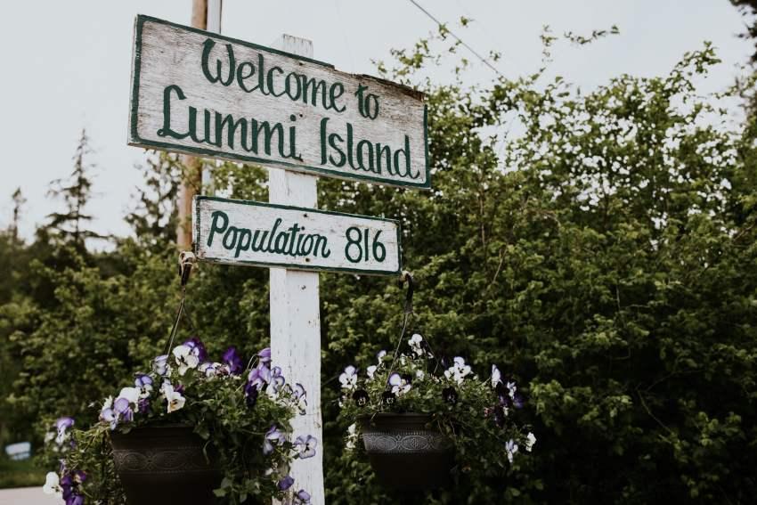 lummi island welcome sign