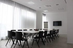 Konferenzraum Port PHOENIX - Wohnen am Kai | Bildrechte: nickneuwald