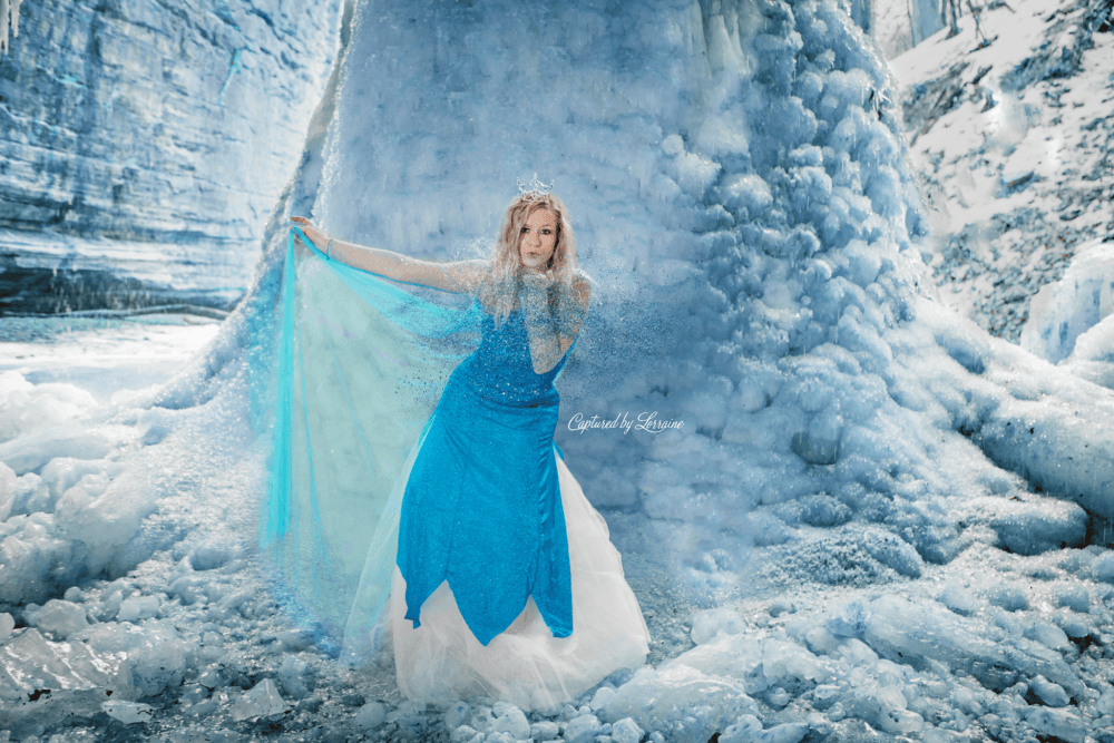 Frozen Themed Photoshoot at Starved Rock in Illinois