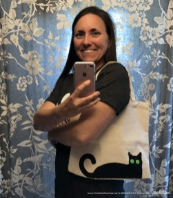Deana models her Bella! tote bag.