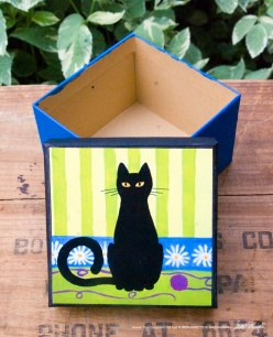 Keepsake-Lucy-small-square-open