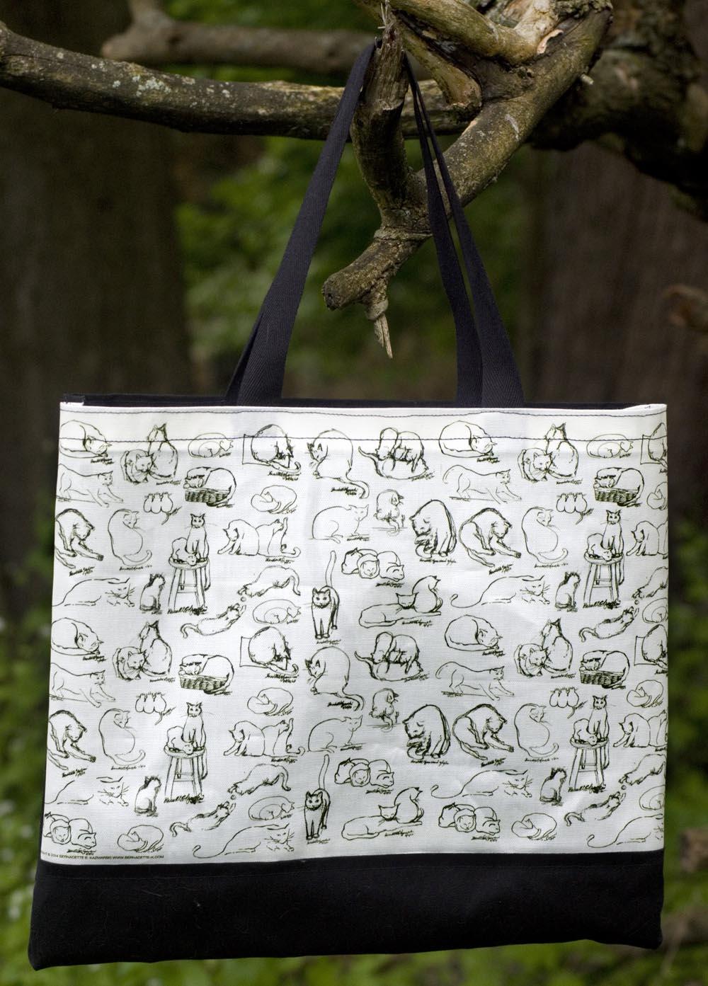 Brushy Kitties tote bag