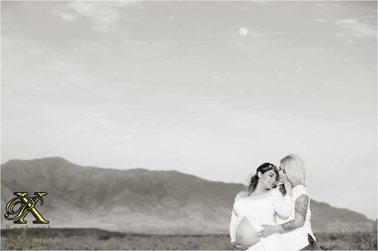 El Paso maternity portraits at Franklin Mountains