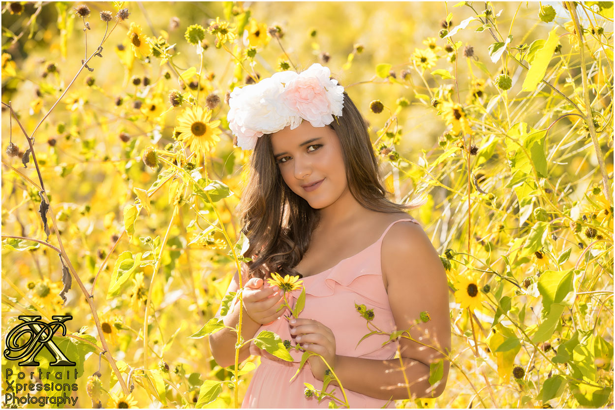 high school senior portraits with sunflowers