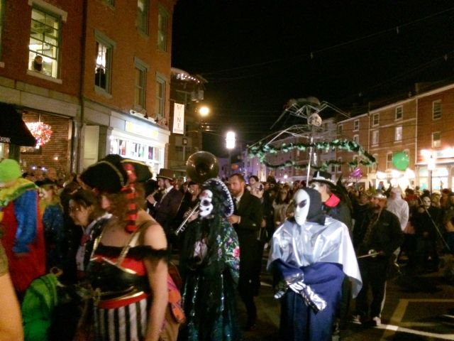 portsmouth nh halloween parade