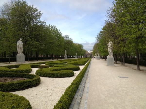 Buen Retiro Park Madrid Statue
