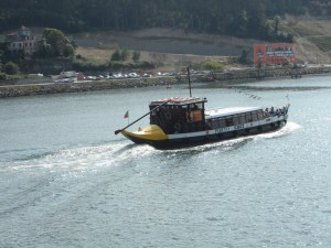 A traditional boat which once carried Port barrels, now carries tourists.
