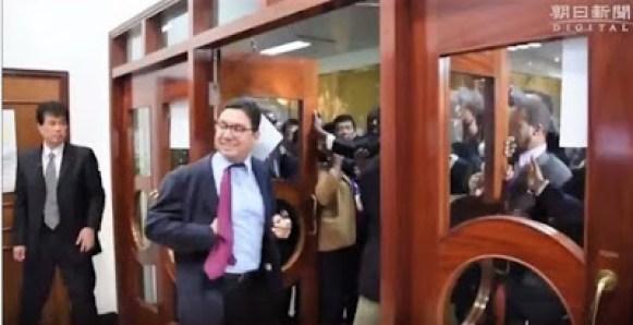 El ministro de exterior marroquí expulsado de la sala de la conferencia