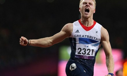 Jonnie Peacock wins gold in the T44 100m sprint