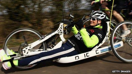 Marathon star Claire Lomas begins 400 mile bike ride