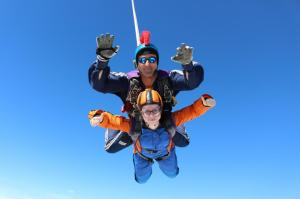 Emma Bridge and instructor falling thumbs up (2)