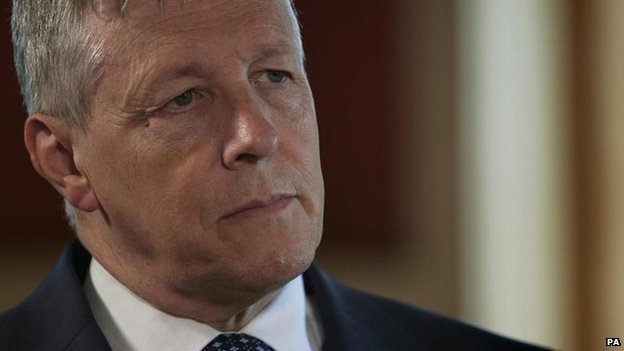 Peter Robinson outlines disability fund welfare change plan