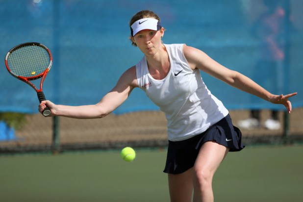 Beth Simmons wt the 2015 World Deaf Tennis      Championships