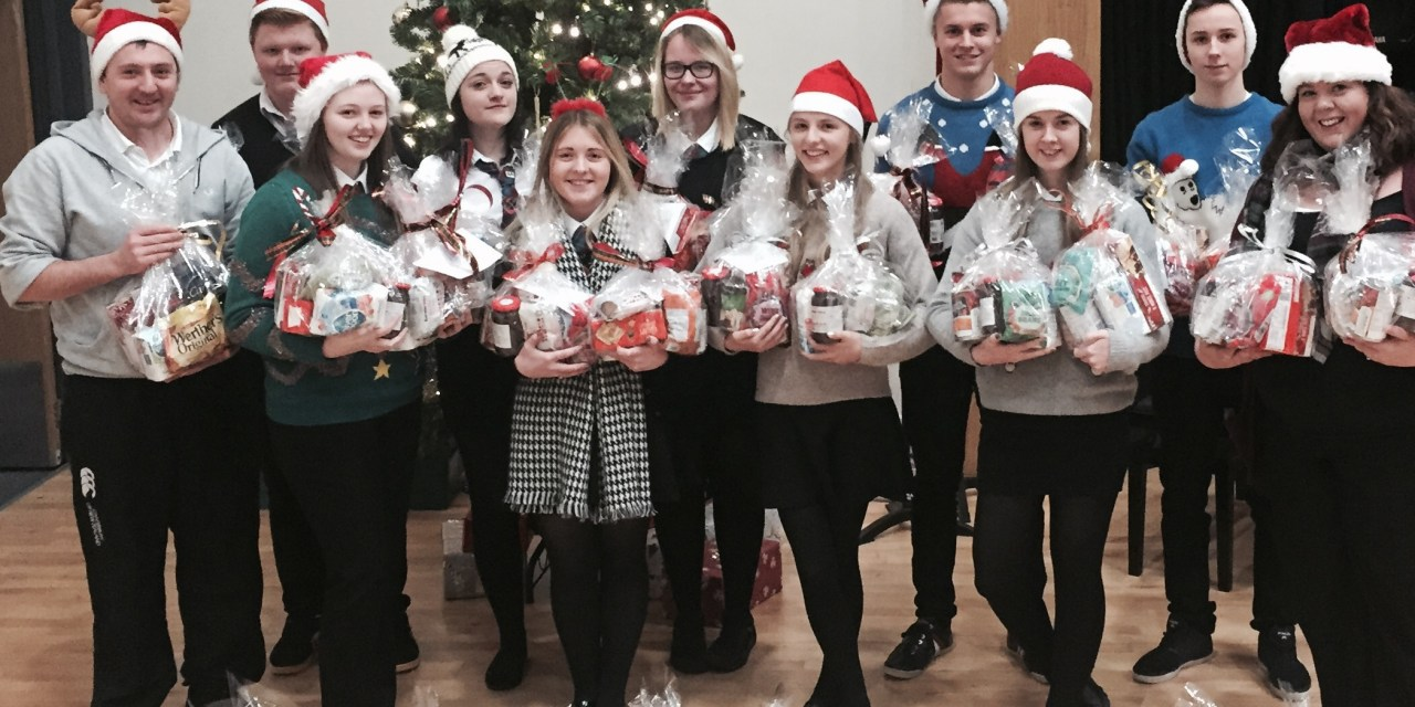 School Pupils give Bield Tenants a Christmas to Remember