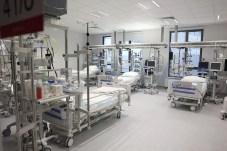 W zielonogórskim szpitalu zaszczepiono księdza, informatyków i księgowego na COVID-19 a nie medyków?